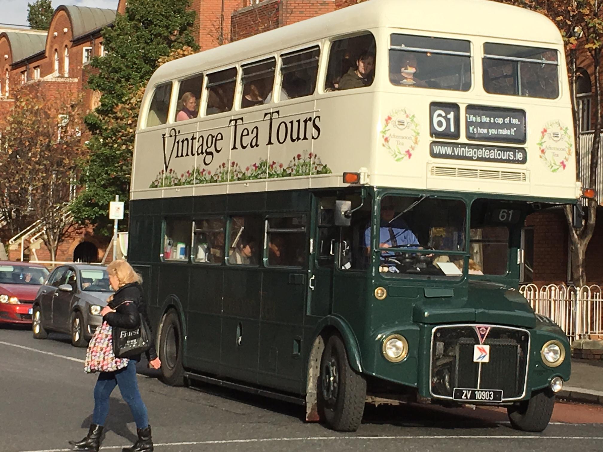 סיור באוטובוס מסיבת תה